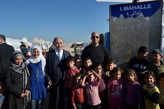 Secretary Johnson visits a Turkish-government run Syrian refugee camp