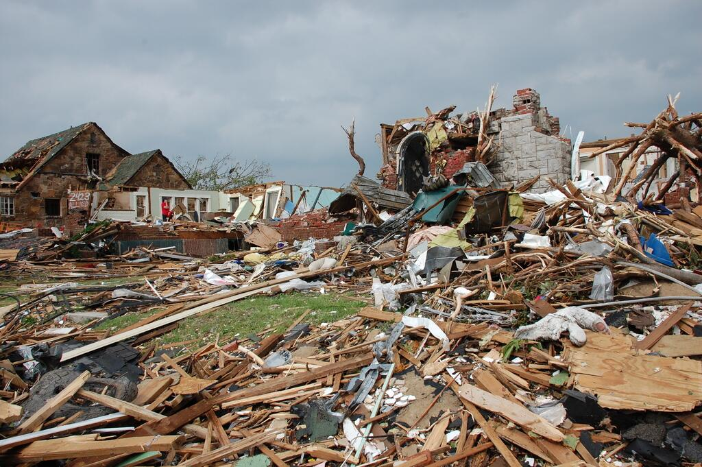 Tornado damage in Missouri