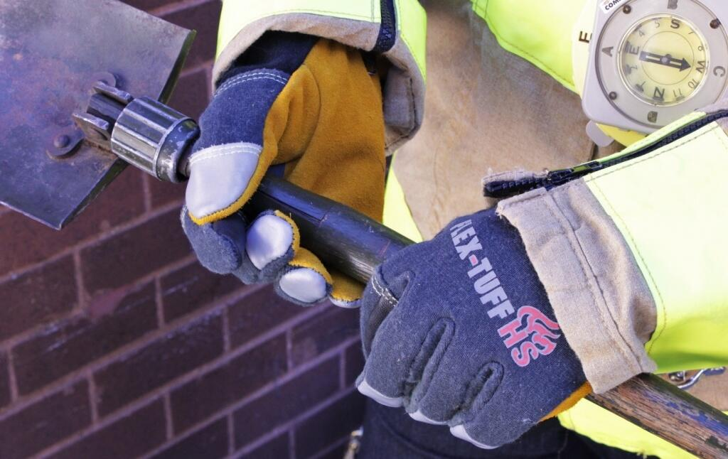 R-Tech's Improved Structure Firefighting Glove