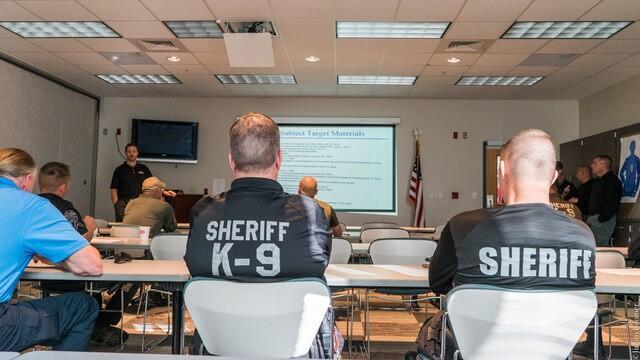 k9 officers learn REDDI techniques.