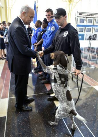 secretary johnson meets a transportation security officer and a tsa canine