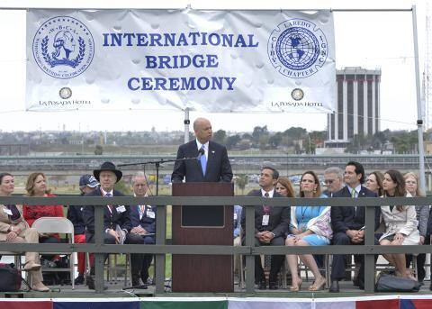 Secretary Jeh Johnson speaks at the International Bridge Ceremony.